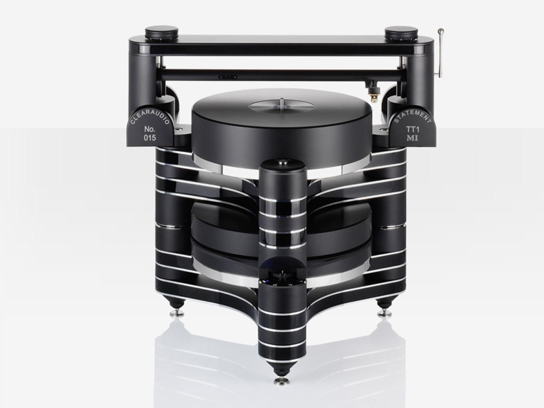 Clearaudio Master Innovation turntable black front