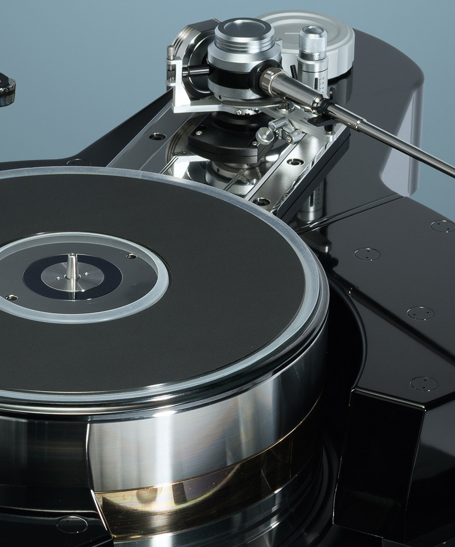 TechDAS Air Force Zero turntable chassis and platters